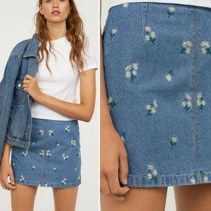 H&M Daisy Print Denim Jean Mini Hugh Rise Skirt 6
